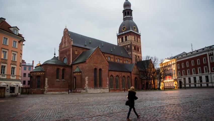 Letonia, una dintre cele mai putin vaccinate tari din UE, intra in carantina pentru 4 saptamini