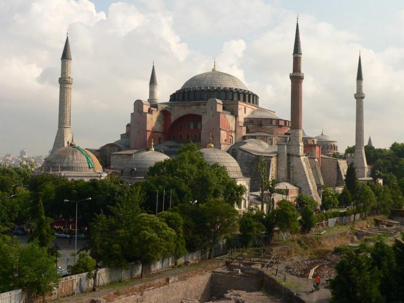 """Atena spune """"NU"""" transformarii catedralei Sfinta Sofia in moschee"""