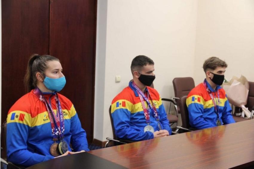 REALITATEA MOLDOVENEASCA PE SCURT (16 aprilie 2021)