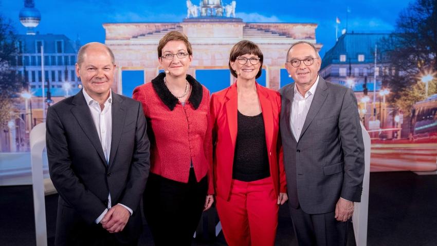 IN GERMANIA AU LOC NEGOCIERI DURE PENTRU FORMAREA MAJORITATII PARLAMENTARE