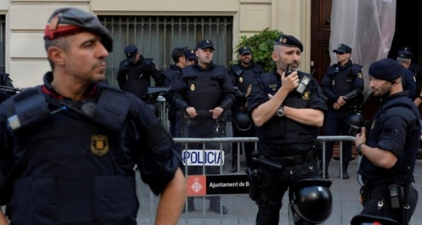 Politia spaniola a dezmembrat o grupare de traficanti care incerca sa introduca 7 tone de hasis