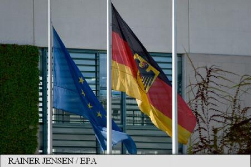 GERMANIA: DRAPELELE AU FOST COBORITE IN BERNA DUPA ATACUL ARMAT DE LA MUNCHEN