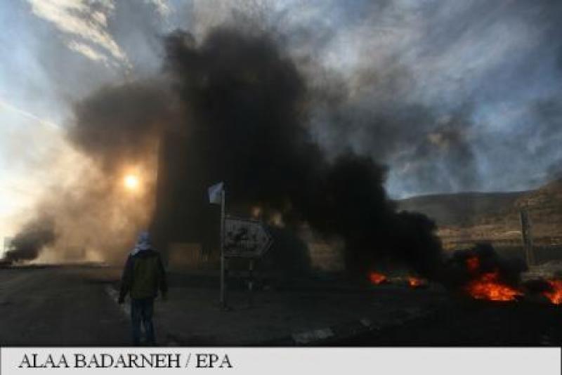 ISRAELUL A BOMBARDAT POZITII ALE HAMAS CA RASPUNS LA LANSAREA DE RACHETE DIN FISIA GAZA