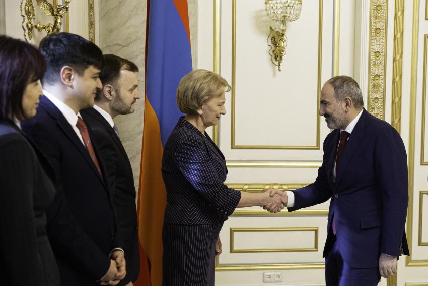 PRESEDINTELE PARLAMENTULUI MOLDOVEI SI PRIM-MINISTRUL ARMENIEI AU DISCUTAT OPORTUNITATILE DE EXTINDERE A COOPERARII MOLDO-ARMENE