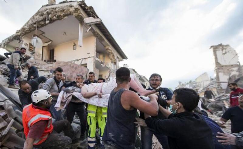 PUTERNIC CUTREMUR IN ITALIA: CEL PUTIN 38 DE PERSOANE AU MURIT