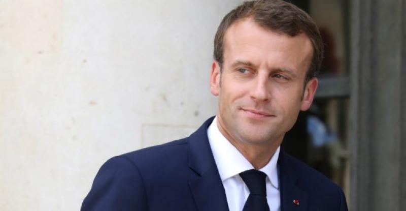 Presedintele Frantei  va avea intrevederi cu Porosenko si cu contracandidatul sau Zelenski