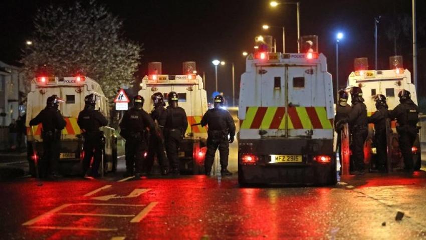 Inca o noapte de violente crunte in Irlanda de Nord