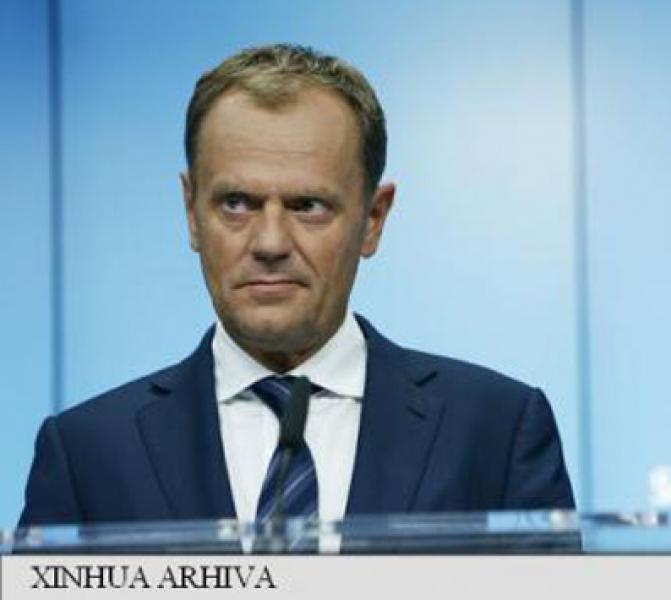 TUSK AVERTIZEAZA IMPOTRIVA UNEI DIVIZIUNI IN UE