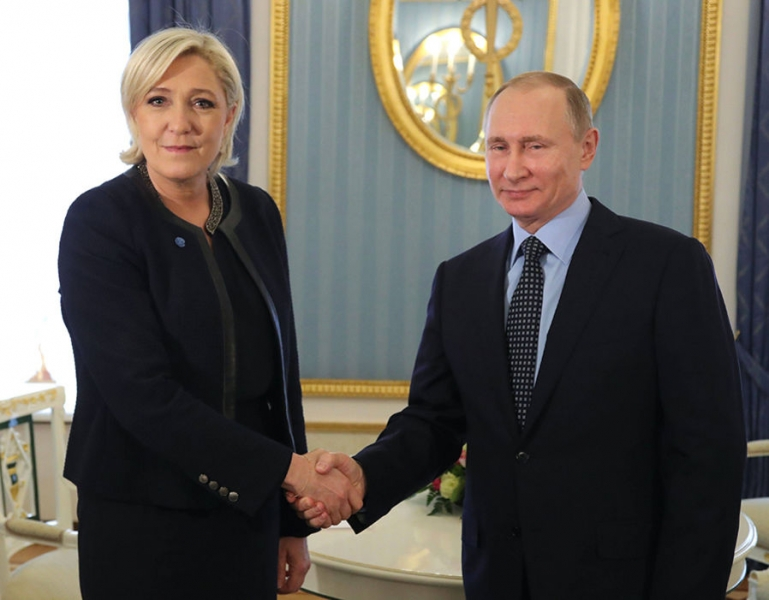PUTIN O ASIGURA PE LE PEN CA RUSIA NU INTENTIONEAZA SA INFLUENTEZE ALEGERILE PREZIDENTIALE DIN FRANTA
