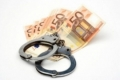 CINCI POLIŢIŞTI AU FOST CONDAMNAŢI PENTRU EXTORCARE DE BANI