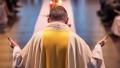 Vaticanul introduce in Codul canonic un articol explicit referitor la pedofilie