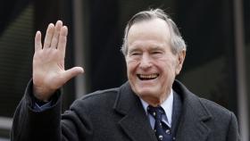 Fostul Presedinte american George H. W. Bush a murit la virsta de 94 de ani