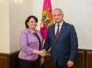 IGOR DODON A SEMNAT DECRETUL DE NUMIRE A VIORICAI DUMBRAVEANU IN FUNCTIA DE CONSILIER AL PRESEDINTELUI REPUBLICII MOLDOVA