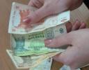 MOLDOVENII S-AU ÎMPRUMUTAT MAI MULT, DAR AU ECONOMISIT MAI PUŢIN