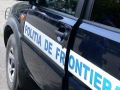 O PATRULĂ MOBILĂ A POLIŢIEI DE FRONTIERĂ A FOST ATACATĂ DE UN GRUP DE PERSOANE