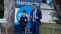Un copil de 8 ani a cumparat cu o suma uriasa cinci proprietati la o licitație din Sydney