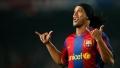 LA 36 DE ANI, RONALDINHO SE INTOARCE LA FC BARCELONA
