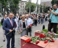 SOCIALIŞTII AU DEPUS FLORI ÎN MEMORIA VICTIMELOR TRAGICULUI ACCIDENT DE LA METROUL DIN MOSCOVA