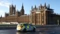 Un politist din Londra l-a ajutat pe un hot roman sa fure aproape 1 milion de euro de la rivalii sai