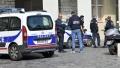 Atac armat in fata unui spital din Paris