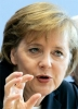 Angela Merkel cere Ciprului să negocieze doar cu troica