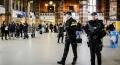 Atac cu cutitul in principala gara din Amsterdam. Politistii l-au impuscat pe agresor