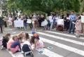 PARINTI SI COPII AU PROTESTAT LA GUVERN