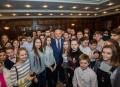 150 DE ELEVI EMINENTI AU VIZITAT PRESEDINTIA REPUBLICII MOLDOVA