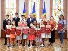 IGOR DODON A CONFERIT DIPLOMA DE ONOARE A PRESEDINTELUI REPUBLICII MOLDOVA UNUI GRUP DE TINERI