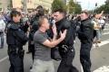 Revolta intr-un centru pentru refugiati din Germania. 5 politisti au fost raniti