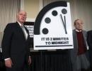 """""""Ceasul Apocalipsei"""" a fost mentinut la 2 minute de miezul noptii"""
