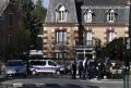 Trei persoane au fost retinute dupa atacul de la Rambouillet