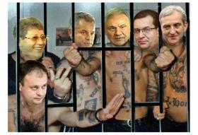 DE 6 ANI, SIMULEAZA GUVERNAREA, FURA, MINT ŞI ISI BAT JOC DE MOLDOVENI