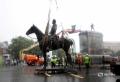 In Richmond, fosta capitala a statelor americane sudiste, se demoleaza toate statuile confederate