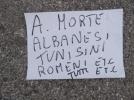 Mesaje rasiste imprastiate pe strada, intr-un oras din Italia