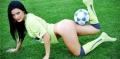 Alina Zotea si Violeta Ivanov n-au concurenta atita timp cit araboaicelor nu li se vor permite sa pozeze cu mingea, pe teren, invesmintate in pielea aproape goala