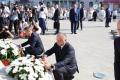 Presedintele Igor Dodon si oficiali ai Republicii Moldova au depus flori la monumentul lui Stefan cel Mare