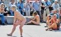 """Ritual legal"": Danseaza in pielea goala, pe strada"
